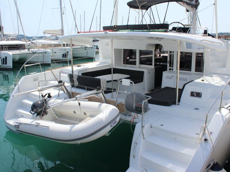 Lagoon 450 (NADA I FLY ( AC in salon and cabin + generator ))  - 7