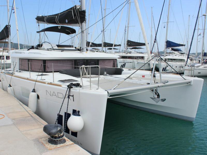 Lagoon 450 (NADA I FLY ( AC in salon and cabin + generator ))  - 8