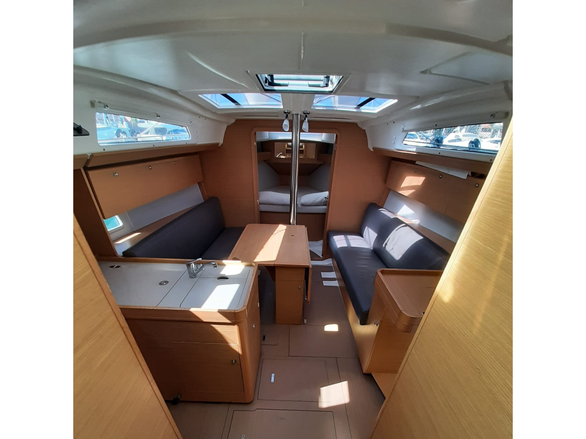 Dufour 360 Grand Large (Harry) Interior image - 2