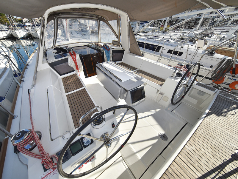Oceanis 41 (Natalie with A/C)  - 17