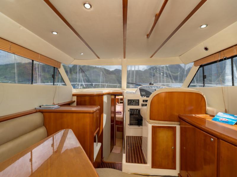 Rodman 1250 Fisher Pro (Mo-Gre) Interior image - 3