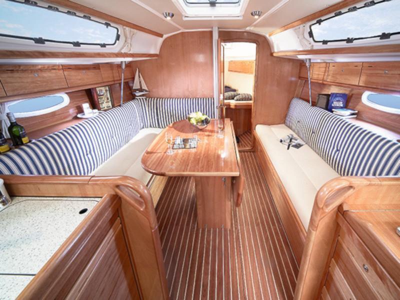Bavaria 34 Cruiser (Eos) Interior image - 1