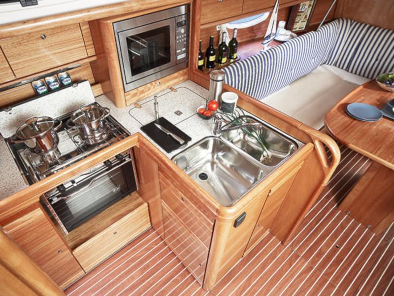 Bavaria 34 Cruiser (Eos)  - 4