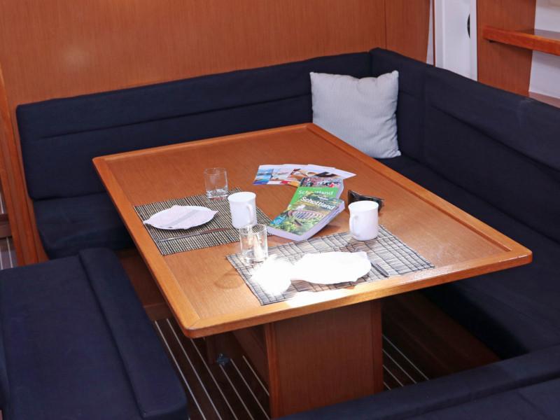 Bavaria Cruiser 50 (Hera) Interior image - 11