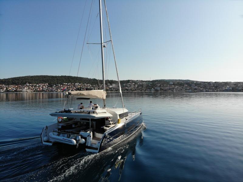 Dufour 48 Catamaran (YAM - BLUE HULL, AC+GEN., UNDERWATER LIGHTS)  - 32