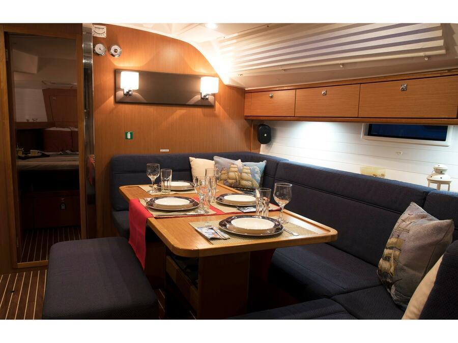 Bavaria Cruiser 41 (Erato (New Sails 2020)) Interior image - 6