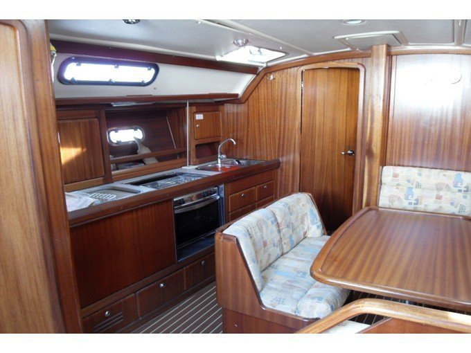 Bavaria 40 (Salty Baby) Interior image - 5
