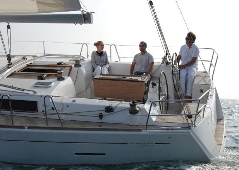 Dufour 450 GL (Dans) Sailing - 29