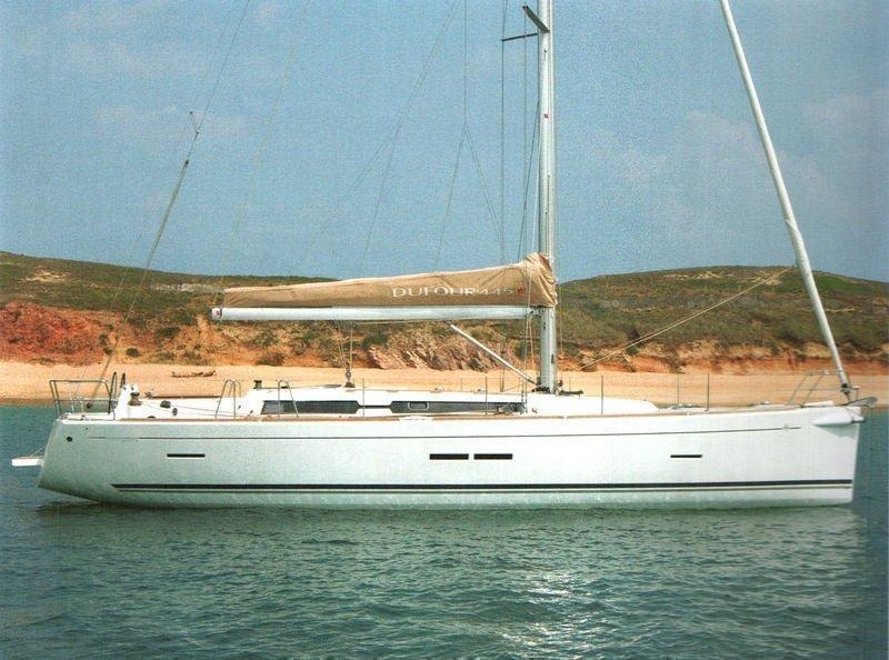 Dufour 450 GL (Dans) At Anchor - 10