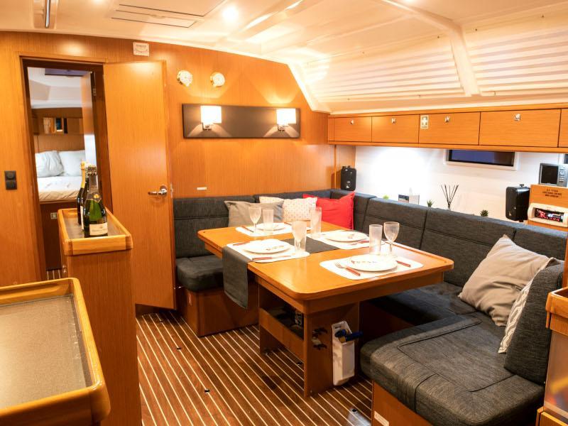 Bavaria Cruiser 46 (Titan) Interior image - 7