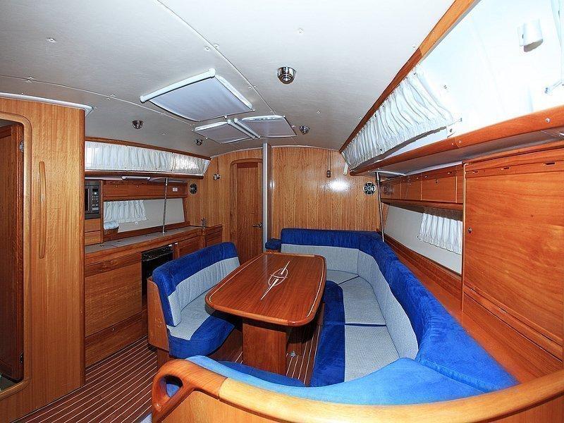 Bavaria 40 Cruiser (Fenix  ) Interior image - 9