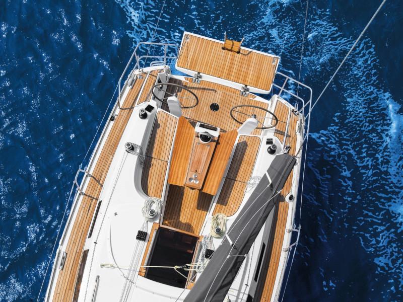 Bavaria 34 Cruiser (Free Spirit)  - 11