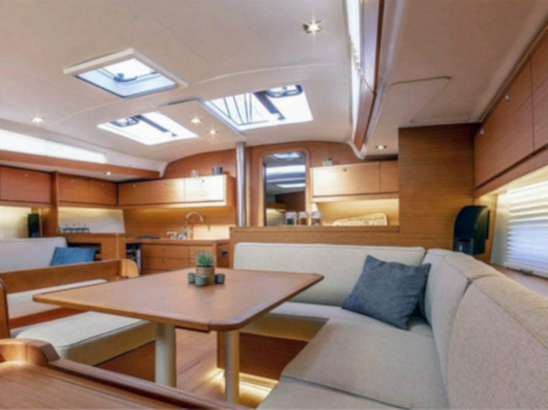 Dufour 430 Grand Large (Billywig) Interior image - 6