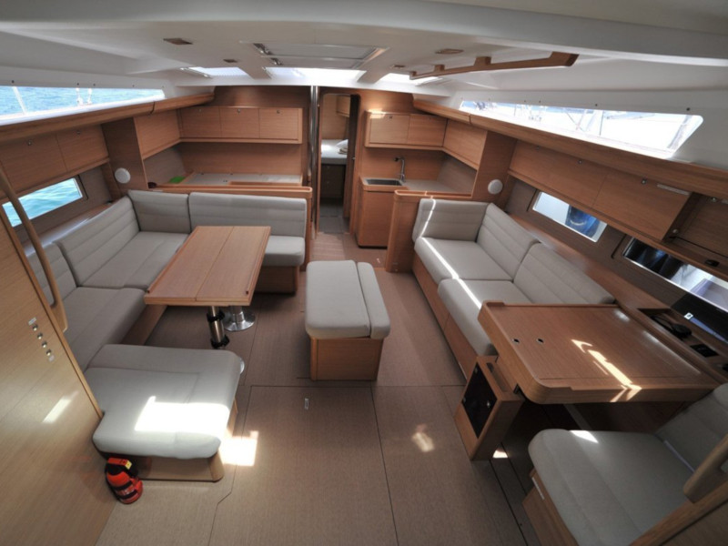 Dufour 500 Grand Large (Sarayu) Interior image - 1