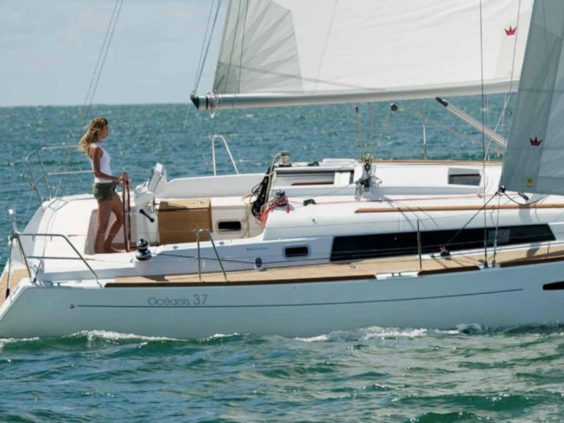 Oceanis 37 (JULIE) Main image - 0