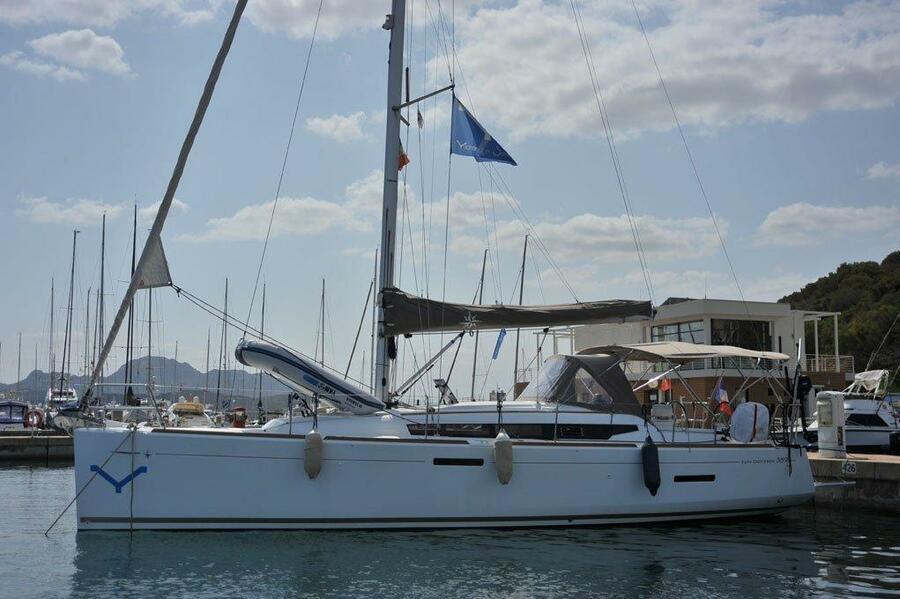 Sun Odyssey 389 (Lady Pink)  - 27