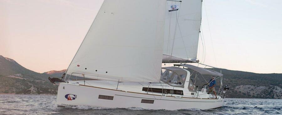 Oceanis 38.1 (SIRINA)  - 1