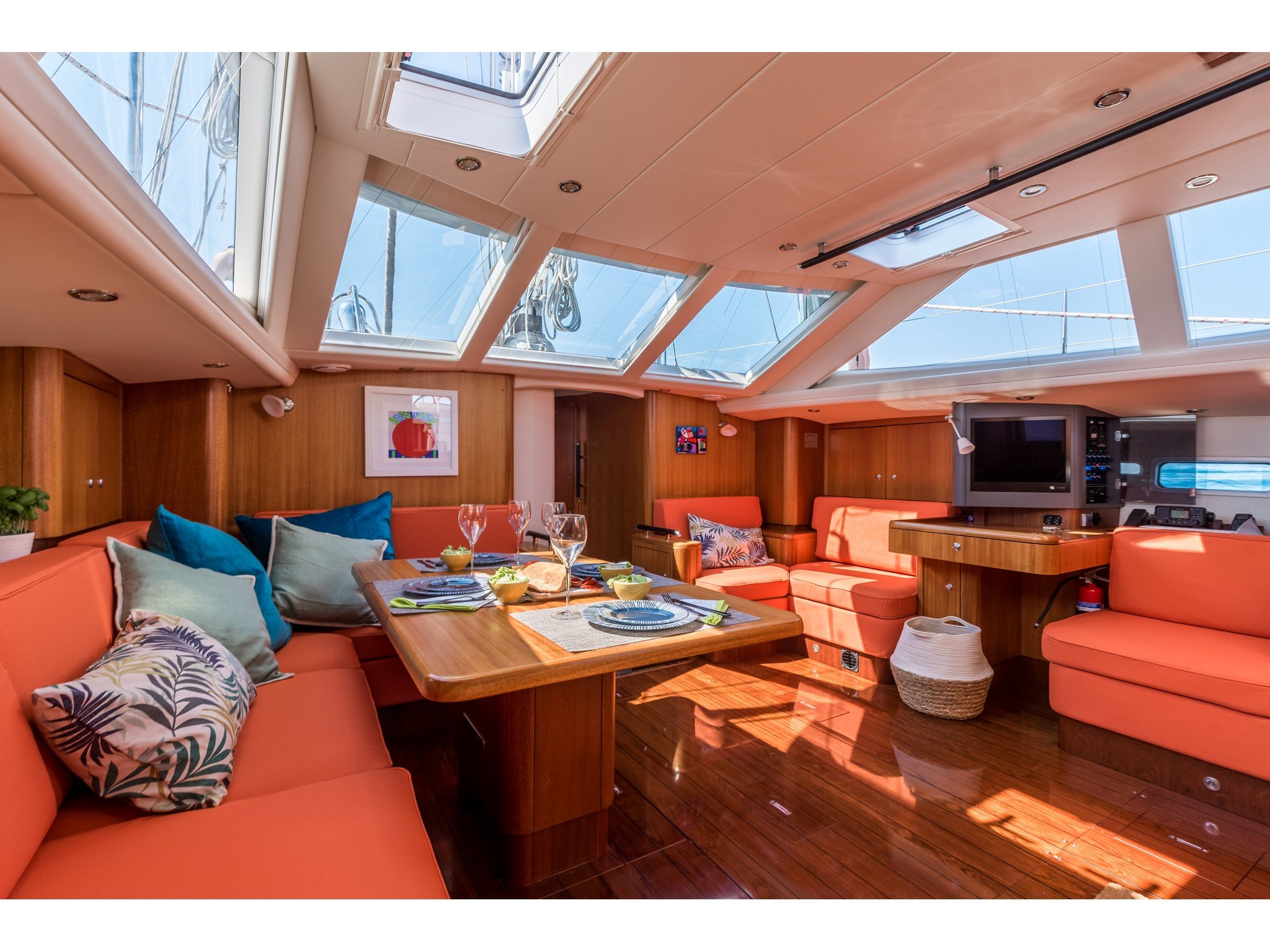 Najad 570 CC (PINK CLOUD (AC and generator) - skippered ) Interior image - 23