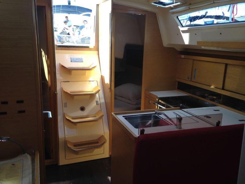 Elan 350 (Yankee) Interior image - 13