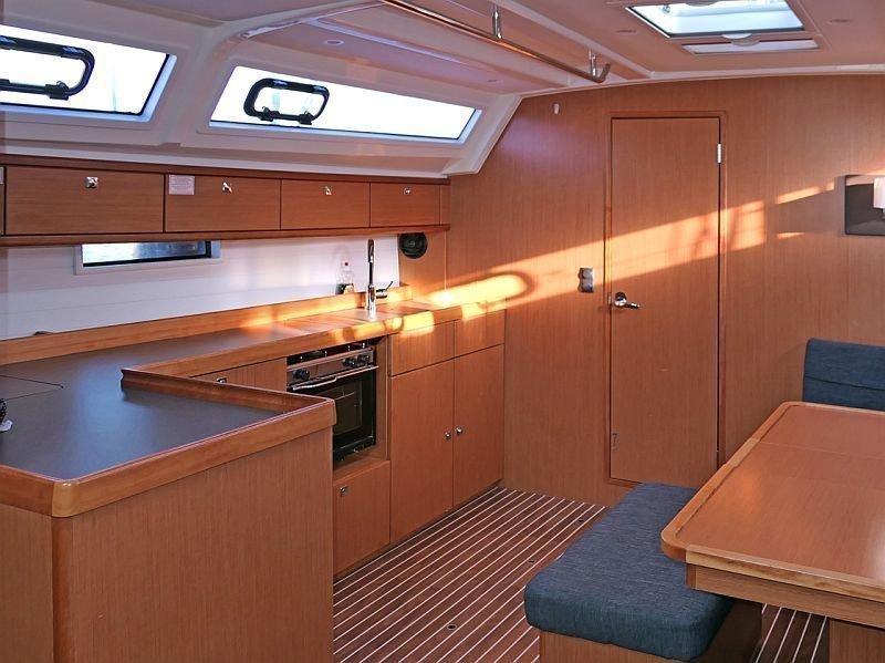 Bavaria Cruiser 46 (Amelva) Interior image - 3