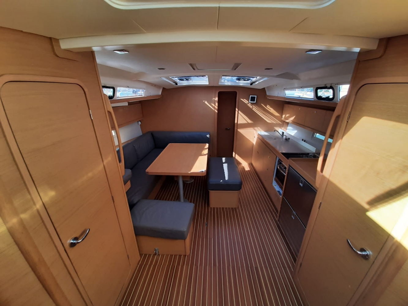 Dufour 460 Grand Large Diego 2018 (Diego) Interior image - 2