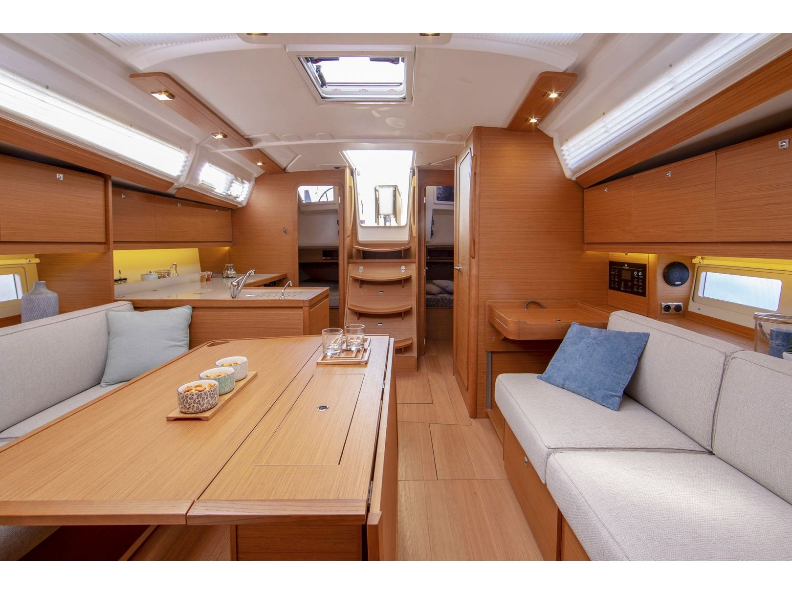 Dufour 390 Grand Large (Cordelia) Interior image - 1