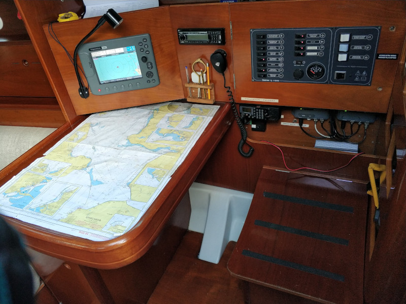 First 36.7 (Grote Beer) Interior image - 4