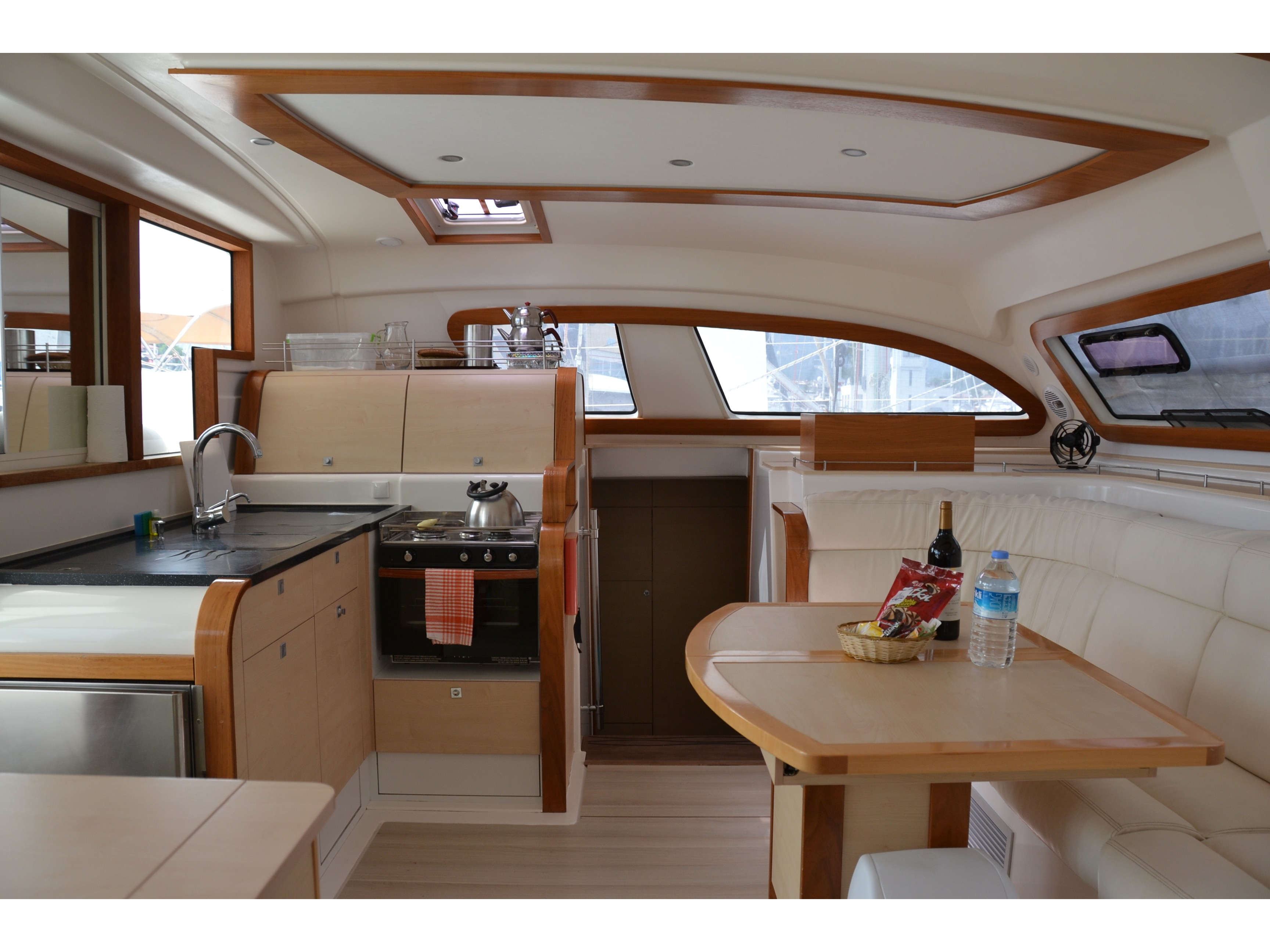 Catana 47 Carbon (Xenia II) Interior image - 10