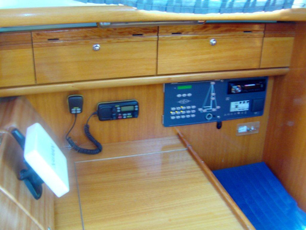 Bavaria 33 Cruiser (Kate) Interior image - 2
