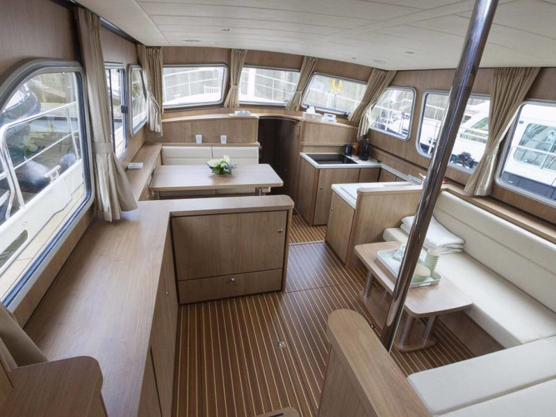 Linssen Grand Sturdy 40.0 AC (Bella Donna) Interior image - 1