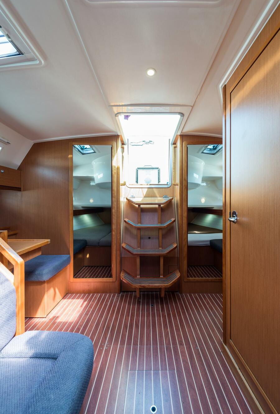 Bavaria 40 Cruiser (Deneb - Bow & Solar)  - 18