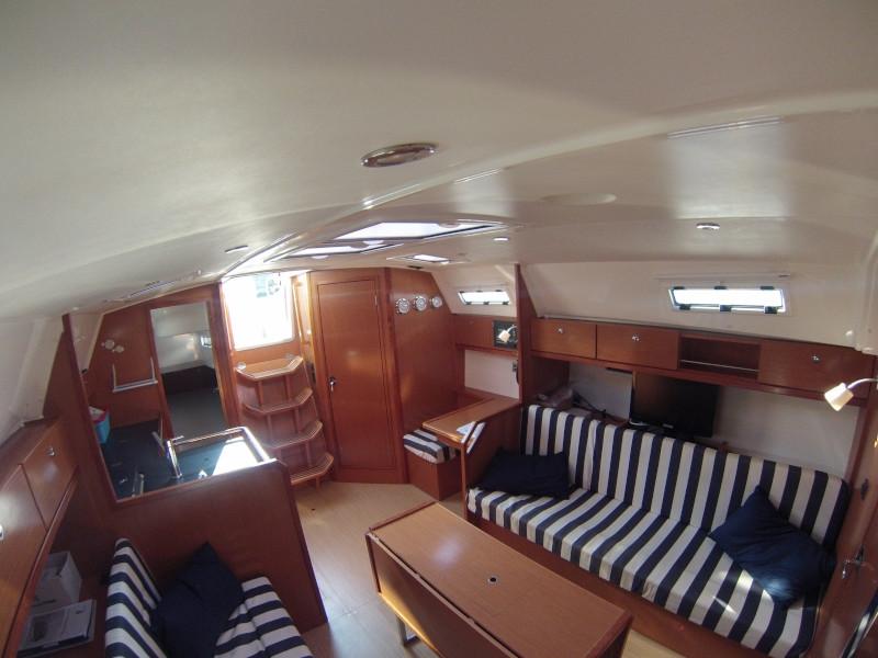 Bavaria 36 Cruiser (Coregone) Interior image - 1