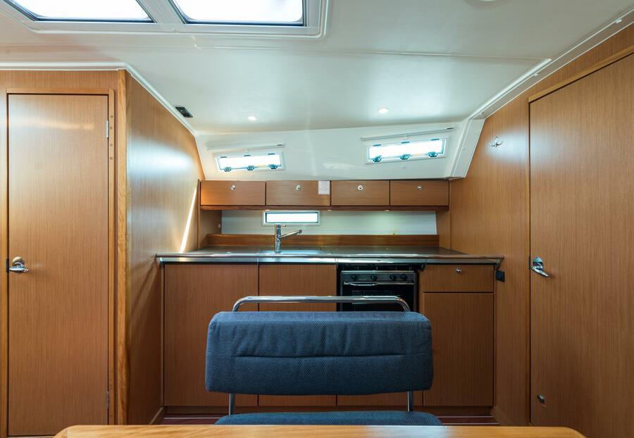 Bavaria 40 Cruiser (Deneb - Bow & Solar)  - 14