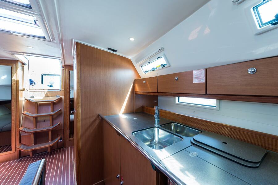 Bavaria 40 Cruiser (Deneb - Bow & Solar)  - 19