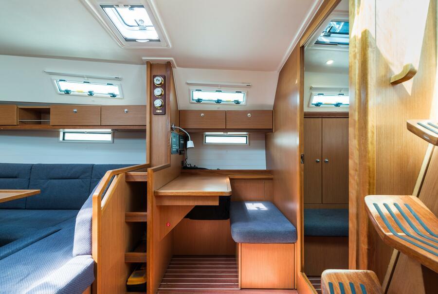 Bavaria 40 Cruiser (Deneb - Bow & Solar)  - 3