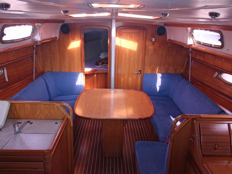 Bavaria 37 Cruiser (Gigiona) Interior image - 2