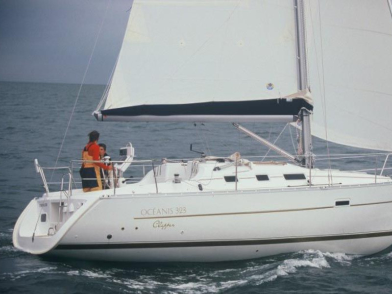 Oceanis 323 (Lily) Main image - 0