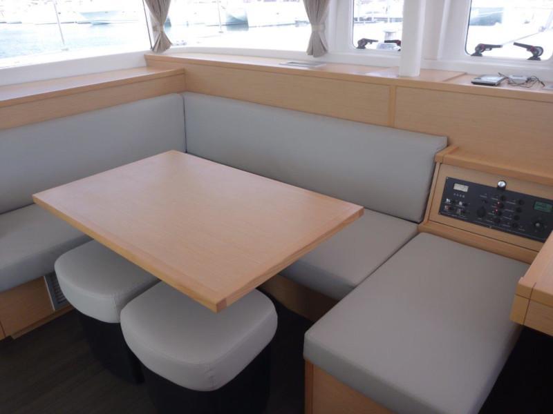 Lagoon 400 S2- 3 cab. (My Dream) Interior image - 1