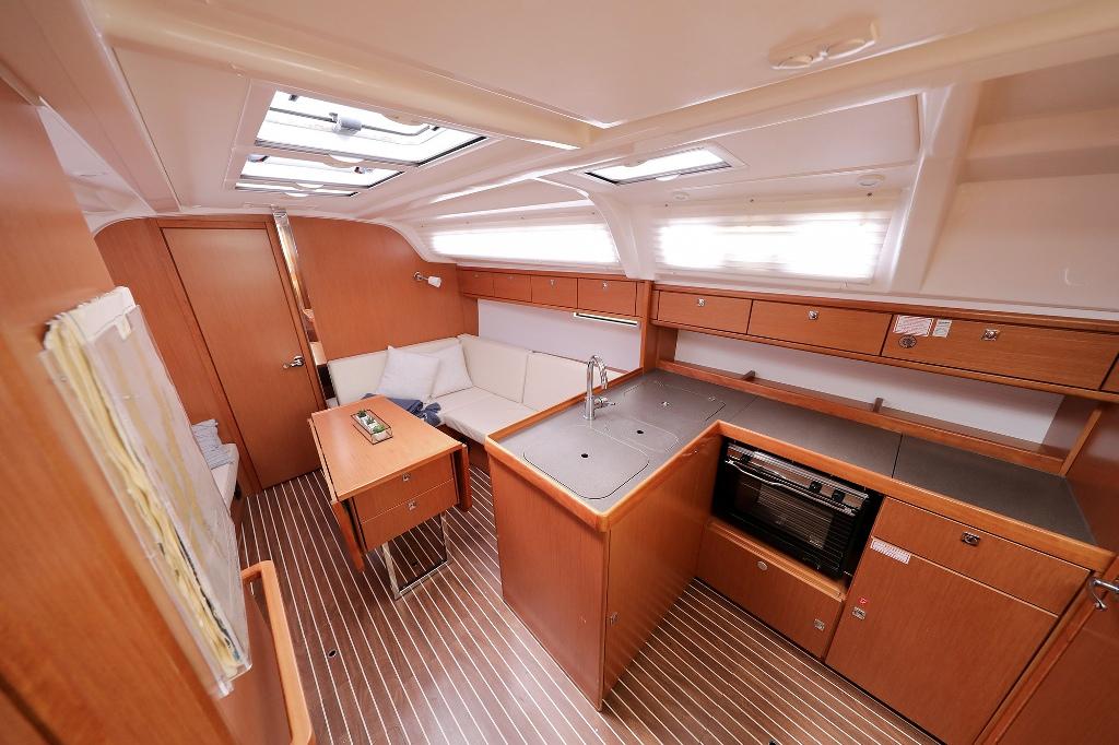 Bavaria Cruiser 37 (SUN COURSE)  - 13