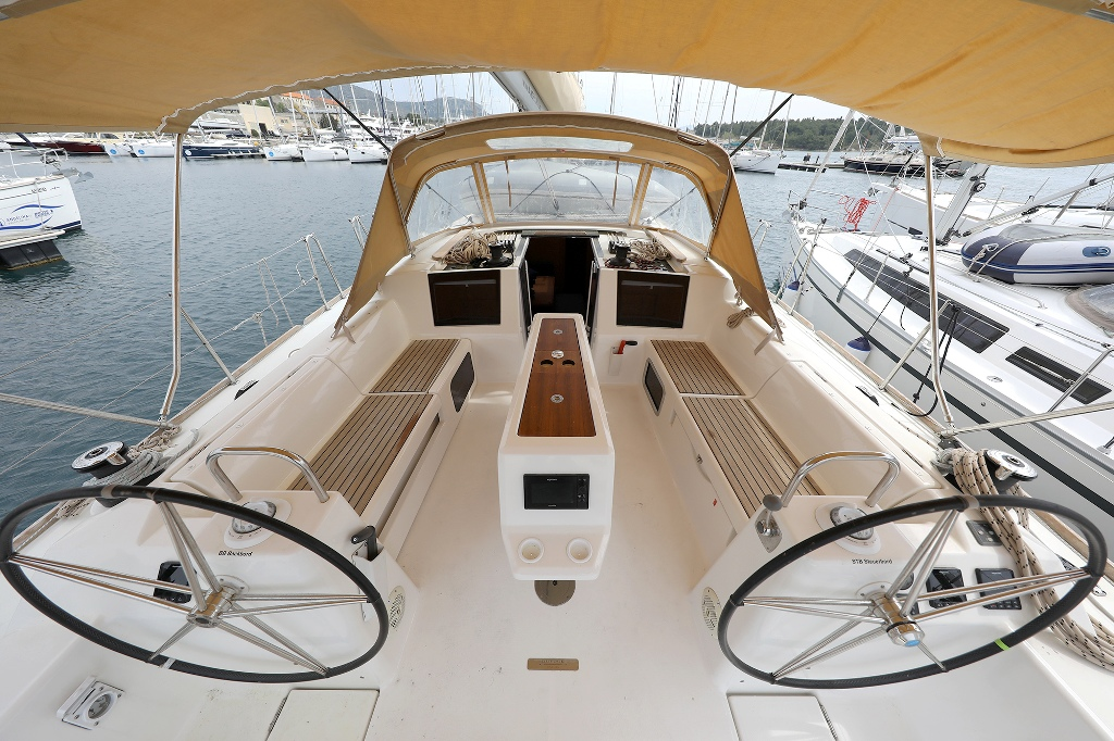 Dufour 460 Grand Large (CHUCK)  - 14