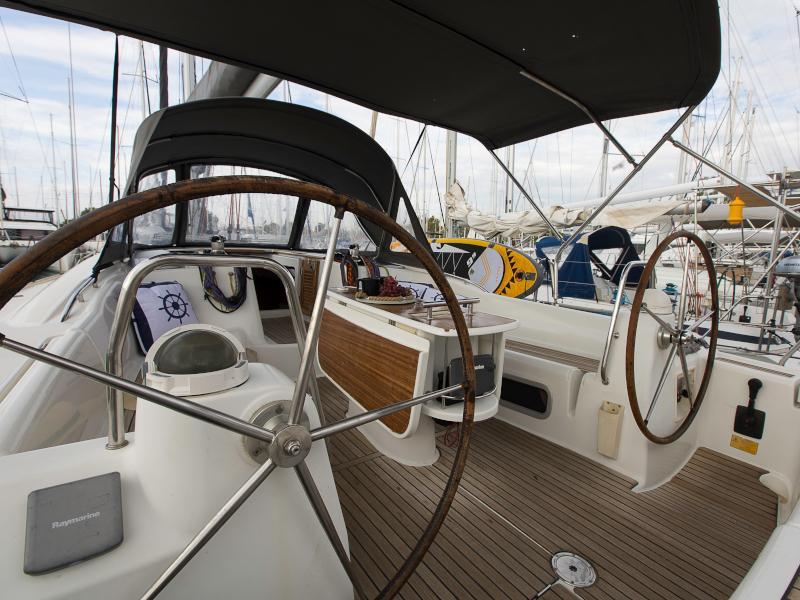 Oceanis 46 (Victoria)  - 5