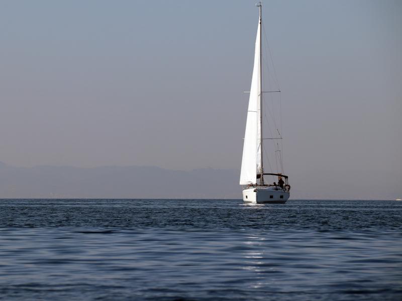 Oceanis 46.1 (Beautiful Helen)  - 18