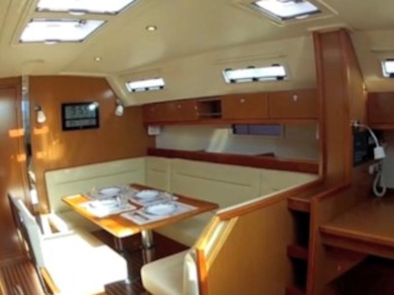 Bavaria  Cruiser 40 (Capitana II) Interior image - 4
