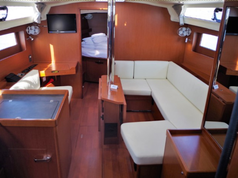 Oceanis 41.1 (4Play) Interior image - 9