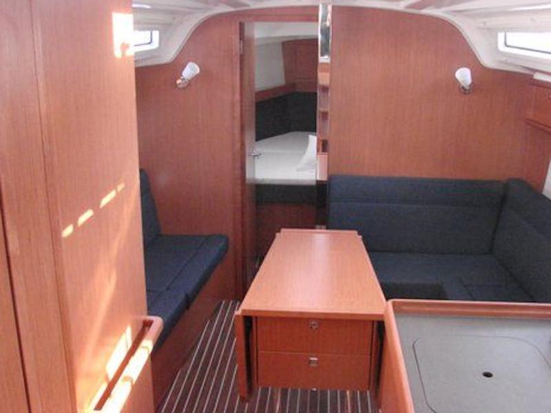 Bavaria 37 Cruiser (Kristina) Interior image - 13