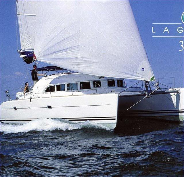 Lagoon 380 (PRES- L38-19-G) Main image - 0
