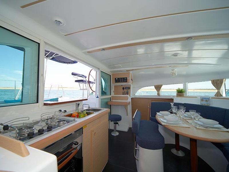 Lagoon 380 (Per Caso) Interior image - 9