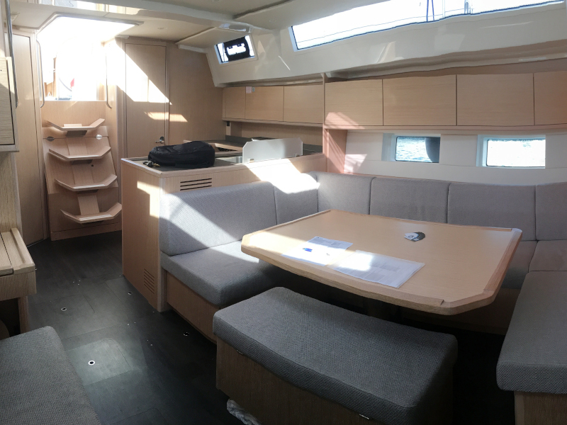 Bavaria C45 (Red Horizon) Interior image - 9