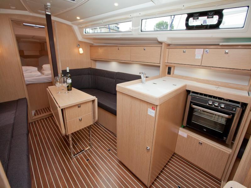 Bavaria Cruiser 34 Style (Aston)  - 8