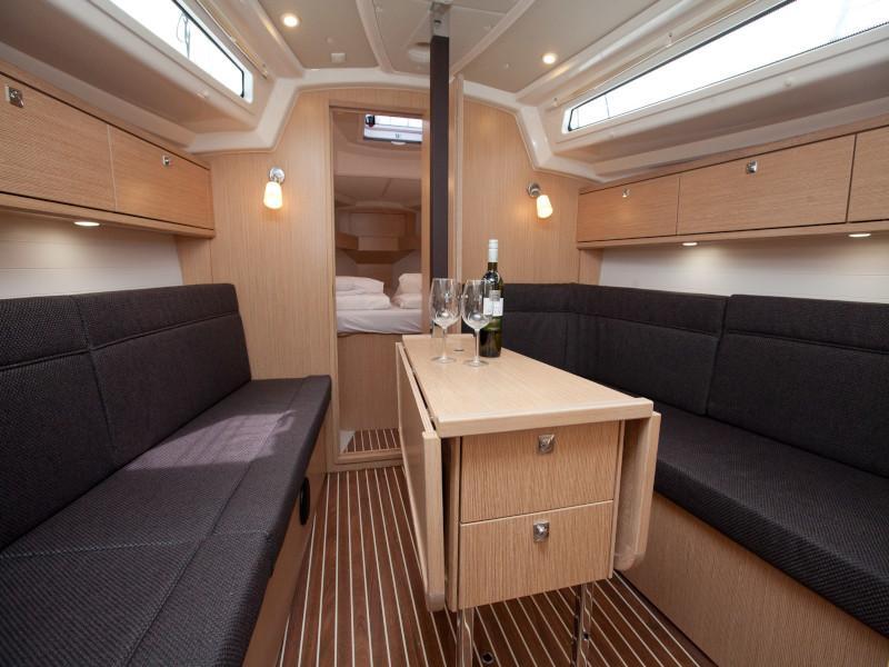Bavaria Cruiser 34 Style (Aston)  - 15